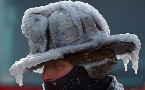 Người Mỹ tê cóng vì lạnh, người Úc héo hon dưới nắng gắt 47 độ C - 6