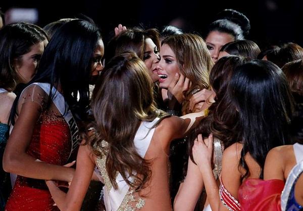 Điều gì làm cho các Hoa hậu Hoàn vũ thêm phần nổi tiếng? - 3