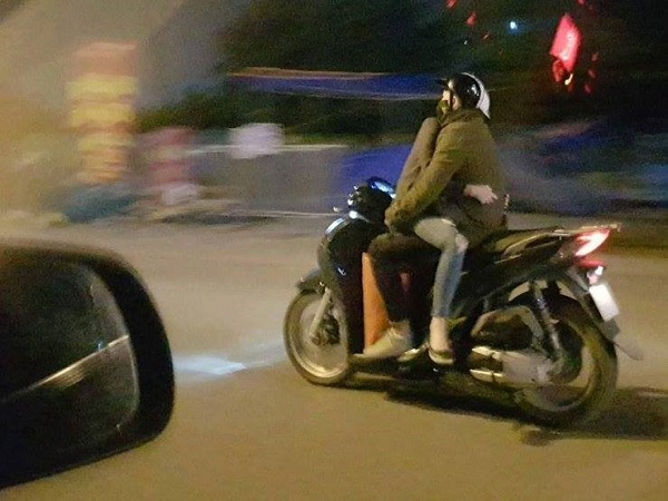 Tao sẽ chống mắt lên xem chúng mày đi kiểu này qua được mấy bốt cảnh sát giao thông!