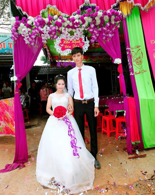 Đám cưới của Văn Thuỷ - Hoa Hậu.
