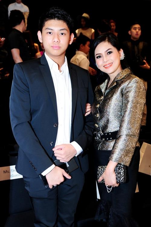 Thiếu gia út nhà chồng Tăng Thanh Hà ngày càng ra dáng soái ca - 8