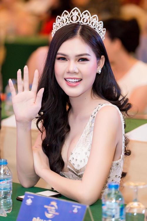 Cao Thái Hà gây xôn xao với phát ngôn gái nghèo thi hoa hậu để đổi đời  - 6