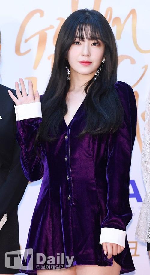 Irene nhận được nhiều lời khen ngợi với kiểu tóc mái thưa.