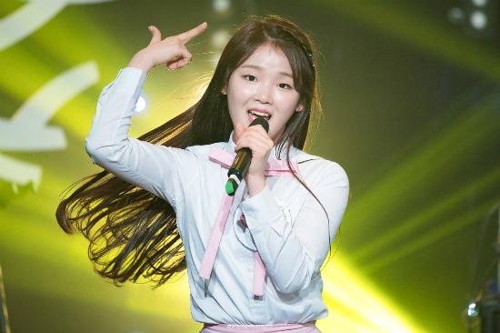 Idol Kpop bị chê quá xấu: Người lột xác, kẻ suy sụp đến mức rời nhóm - 8
