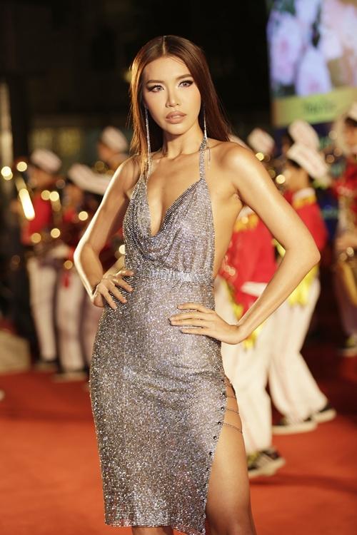 Rừng sao Việt đổ bộ thảm đỏ giải thưởng điện ảnh - 1