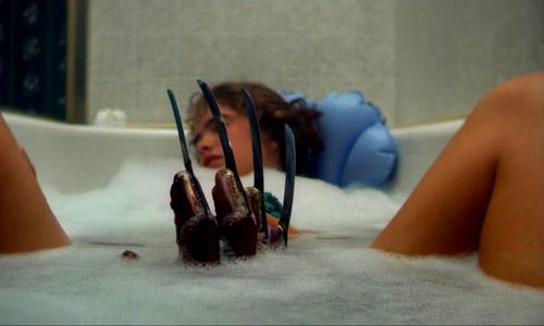 Cảnh tấn công trong bồn tắm trở thành biểu tượng của A Nightmare On Elm Street - 1