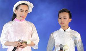 Hồ Văn Cường gây xúc động khi hoà giọng với 'mẹ nuôi' Phi Nhung