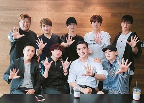 Quiz: Bạn thấu hiểu Super Junior đến đâu? - 7