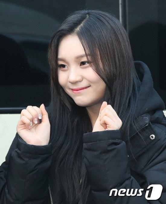 Từng bị chê là Idol xấu nhất trong lịch sử Hàn Quốc nhưng Umji ngày càng xinh xắn thấy rõ.