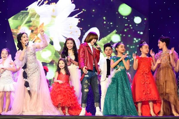 Thiên Khôi điển trai bên công chúa tóc mây Hồng Minh - 2