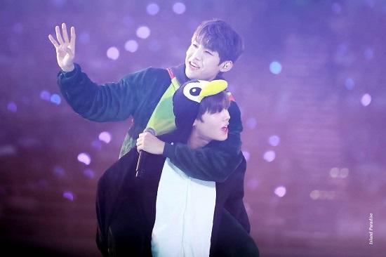 Cả hai là đôi bạn thân nổi tiếng trong nhóm Wanna One.