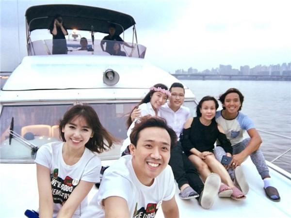 Vợ chồng Huỳnh Mi thường đi du lịch chung cùng anh trai, chị dâu.