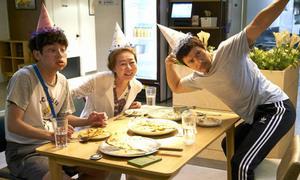 Lee Byung Hun hết sạch cool ngầu, chỉ còn ngố trong phim mới
