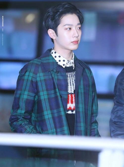 Tae Yeon khoe style đẳng cấp, Seol Hyun như đi catwalk ở sân bay - 5