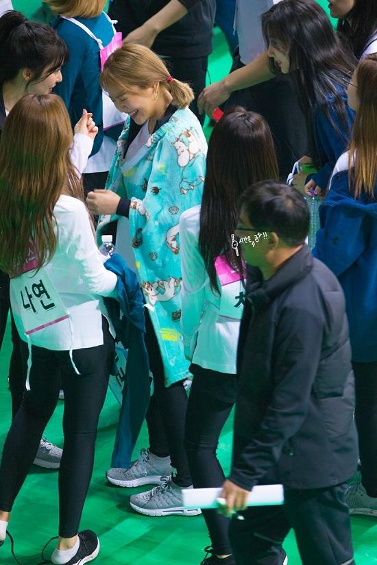 Khoảnh khắc ngàn con tim xin chết: Na Yeon tỏ tình với Irene - 4
