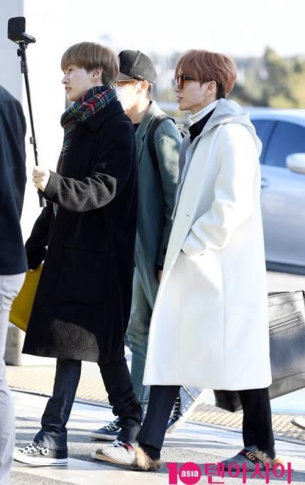 Tae Yeon khoe style đẳng cấp, Seol Hyun như đi catwalk ở sân bay - 3