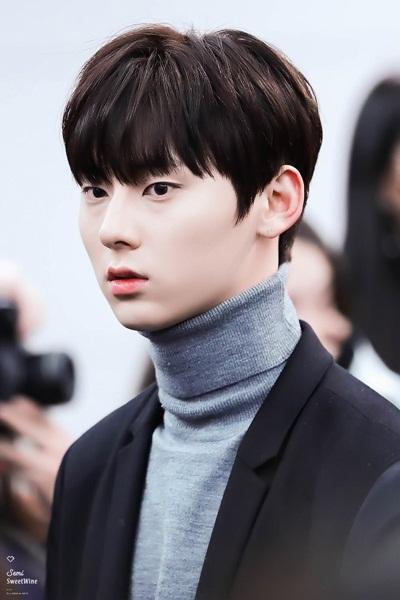 Tae Yeon khoe style đẳng cấp, Seol Hyun như đi catwalk ở sân bay - 7
