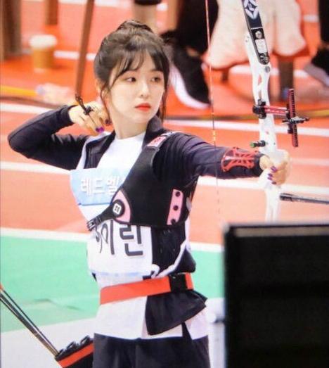 Irene, Tzuyu, Na Yeon cạnh tranh cho ngôi vị Nữ thần bắn cung - 6
