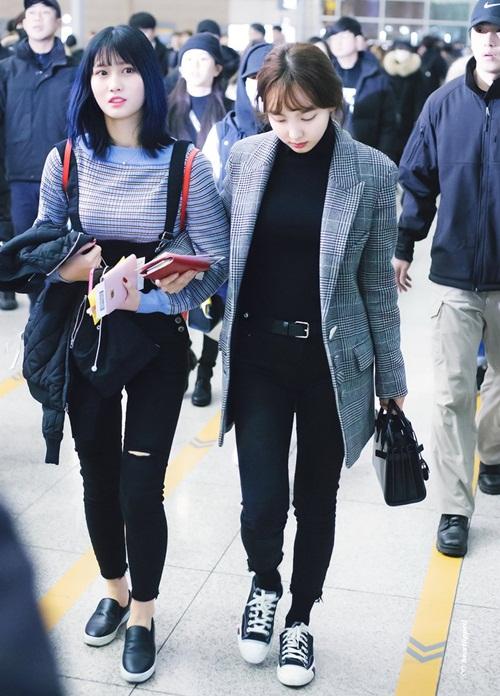 Tae Yeon khoe style đẳng cấp, Seol Hyun như đi catwalk ở sân bay - 9