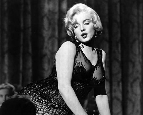 Cảnh hôn với mỹ nhân nóng bỏng Marilyn Monroe khiến nam diễn viên bực tức - 1