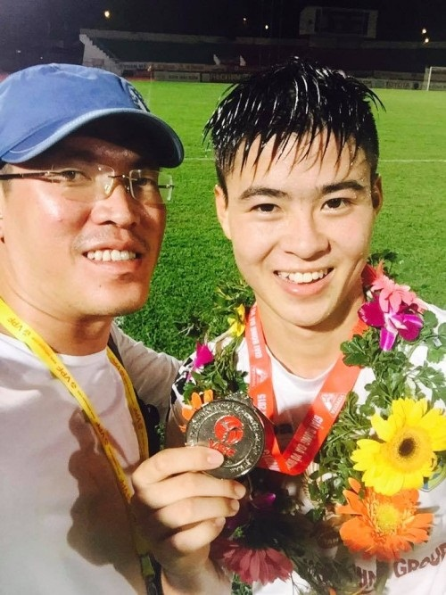 Đỗ Duy Mạnh: Hotboy U23 Việt Nam khiến bao chị em ngất ngây - 3