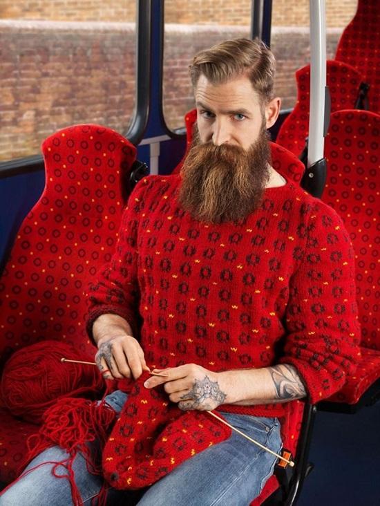 Kỳ công đan áo len tàng hình ăn khớp với khung cảnh - 1