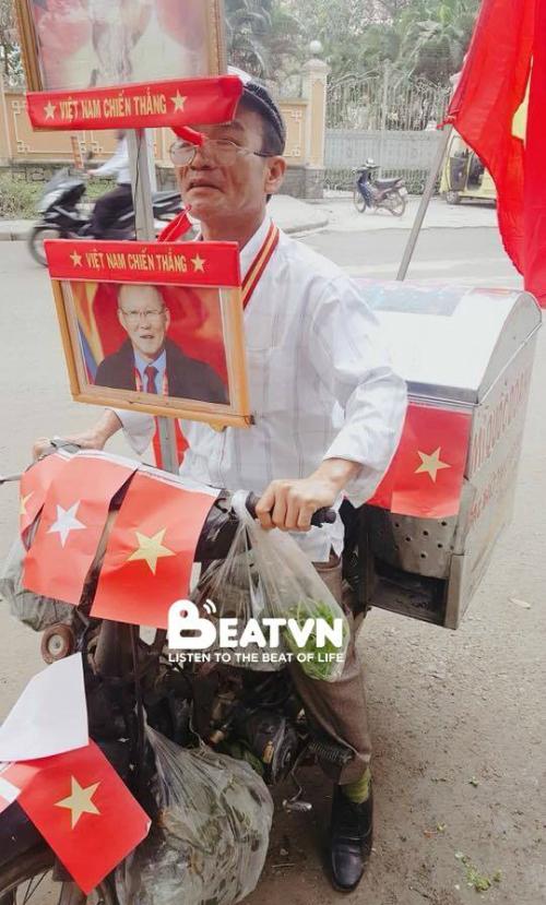 Những hình ảnh huyền thoại CĐV dành cho U23 Việt Nam trước thềm bán kết - 13