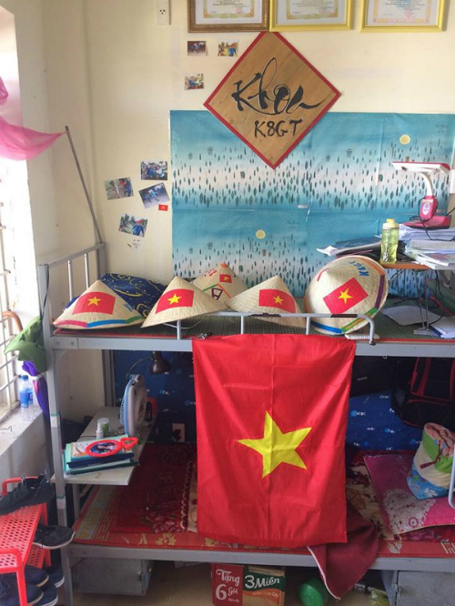 Chuẩn bị công phu để cổ vũ U23 Việt Nam.