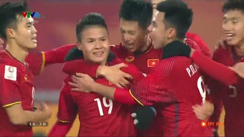 Tiền vệ Quang Hải: Thần tài khiến hàng triệu người hò reo tên trong ngày hôm nay - 1