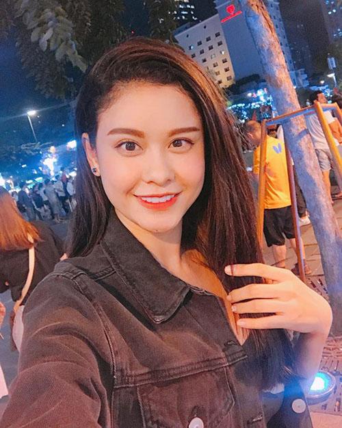 Khi sao Việt rũ bỏ sang trọng, mất ngủ xuống đường vì U23 Việt Nam - 6