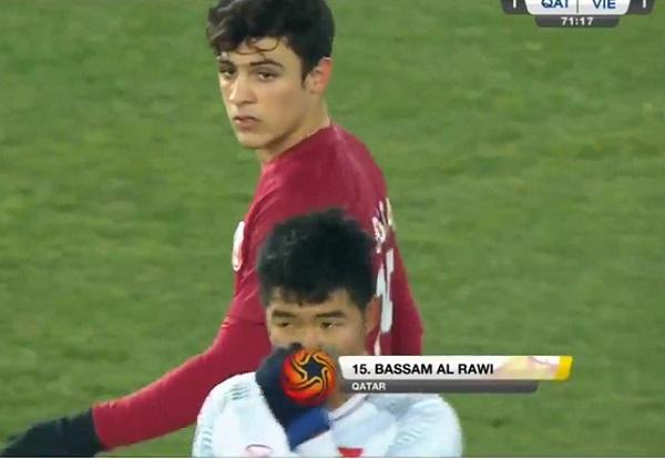Bassam Hisham khiến nhiều cô gái đứng ngồi không yên trong trận bán kết.