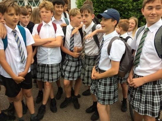 Những quy định cấm lạ lùng ở các trường học khắp thế giới - page 2 - 1
