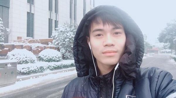 Thời tiết dưới 0 độ, U23 Việt Nam nghịch tuyết ở Thường Châu - 2