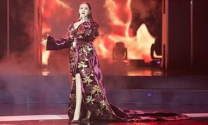 Bảo Anh diện đầm 2m quét sàn hát hit 53 triệu view