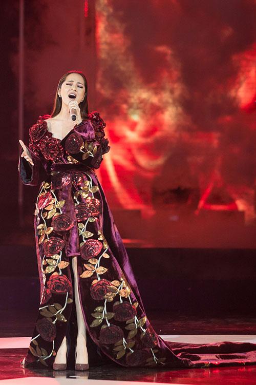 Bảo Anh diện đầm 2m quét sàn hát hit 53 triệu view - 5