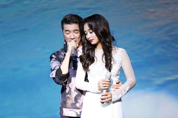 Thu Hằng Bolero và Đàm Vĩnh Hưng song ca trên sân khấu.