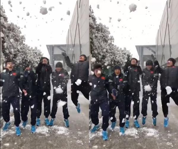 Thời tiết dưới 0 độ, U23 Việt Nam nghịch tuyết ở Thường Châu - 1