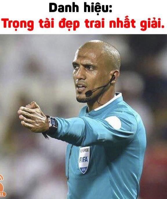 Ảnh chế Ahmed Alkaf - Vị trọng tài đẹp trai nhất mùa giải U23 Châu Á trong mắt người Việt - 3