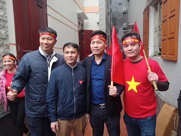 Mẹ Quang Hải, Tiến Dũng ngất xỉu sau pha gỡ hòa của U23 Việt Nam - 2