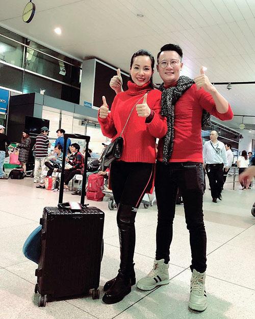 Sao Việt và fan nhuộm đỏ sân bay trước khi lên đường đi cổ vũ U23 Việt Nam - 9