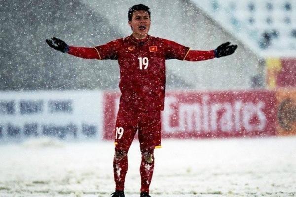 Quang Hải tiếp tục ghi bàn thắng vàng trong trận chung kết.