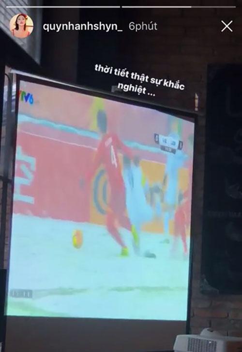 Sao Việt xót xa nhìn U23 Việt Nam thi đấu trong bão tuyết