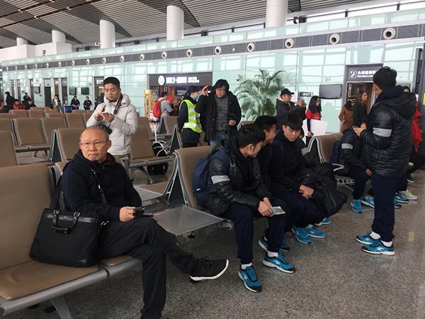 Thầy Park Hang Seo bị U23 Việt Nam chọc cười nghiêng ngả - 1