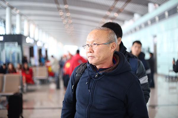 Thầy Park Hang Seo bị U23 Việt Nam chọc cười nghiêng ngả