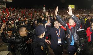 Giây phút U23 Việt Nam xuất hiện tại Mỹ Đình khiến fan 'vỡ òa'