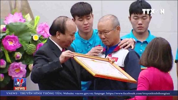 Điểm lại những khoảnh khắc ấn tượng của U23 Việt Nam trong sự kiện ăn mừng về nước - 6