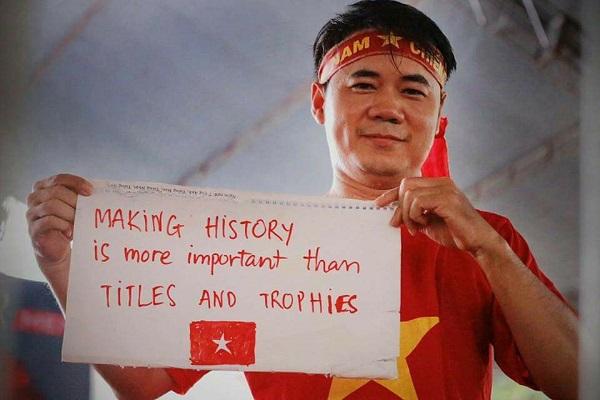 Những khẩu hiệu cổ vũ chất nhất của CĐV dành tặng U23 Việt Nam - 6