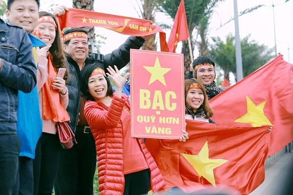 Những khẩu hiệu cổ vũ chất nhất của CĐV dành tặng U23 Việt Nam - 2