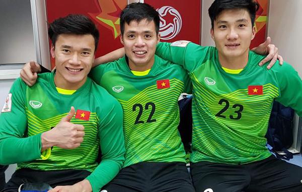 U23 Việt Nam còn có một thủ môn đẹp trai, cao ráo hơn cả Bùi Tiến Dũng - 4