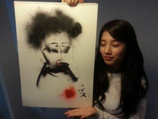 10 idol Kpop có tài hội họa khiến fan trầm trồ - 7